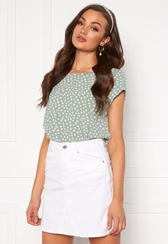 ONLY Vic SS Aop Top Chinois Green/ Dot Bubbleroom.se