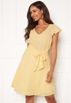 VILA Dottana S/S Dress Mellow Yellow Bubbleroom.se