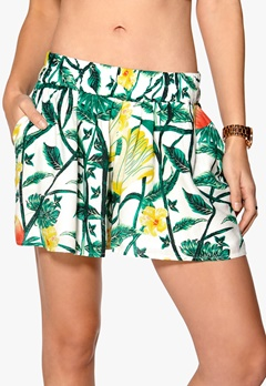 VILA Fauna shorts Snow White Bubbleroom.fi