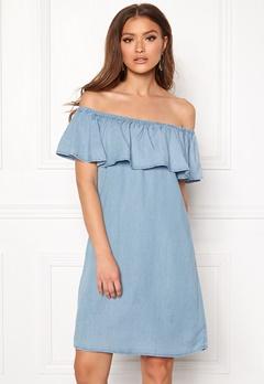 VILA Gia Off Shoulder Dress Light Blue Denim Bubbleroom.se