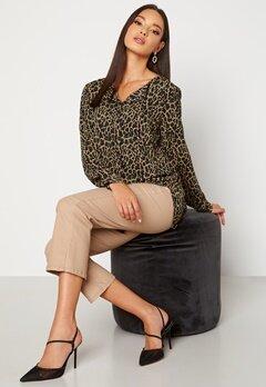 VILA Lucy L/S Print Shirt Tigers Eye AOP Lia Bubbleroom.se