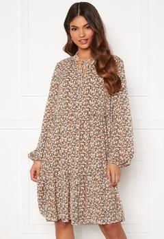 VILA Minnie L/S Dress Birch AOP Flower Bubbleroom.se