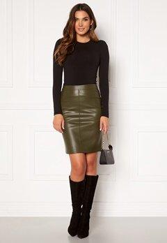 VILA Pen New Coated Skirt Forest Night Bubbleroom.se