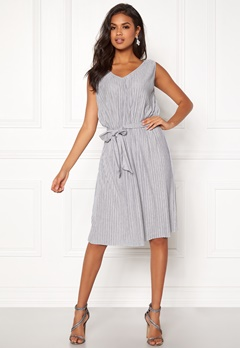 VILA Pliss S L Dress Light Grey Melange Bubbleroom.se ae7284b21a33c