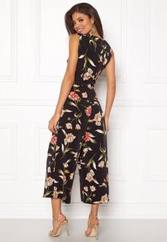VILA Vacker Cropped Jumpsuit Black/Floral Print Bubbleroom.se
