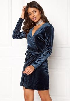 VILA Velvetine Short Dress Total Eclipse Bubbleroom.no