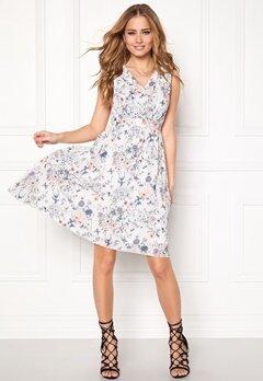 VILA Vikasuli Dress Pristine Bubbleroom.no