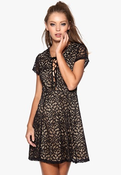 WYLDR Hayley Dress Black Bubbleroom.fi