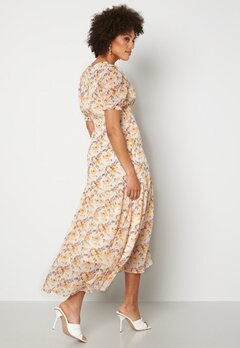 Y.A.S Nilima 2/4 Wrap Ankle Dress Eggnog Floral AOP Bubbleroom.se