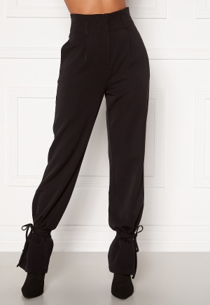 Martine Lunde X Bubbleroom Tied suit trousers Black 34