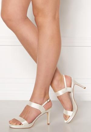 Menbur Sandals Ivory 39