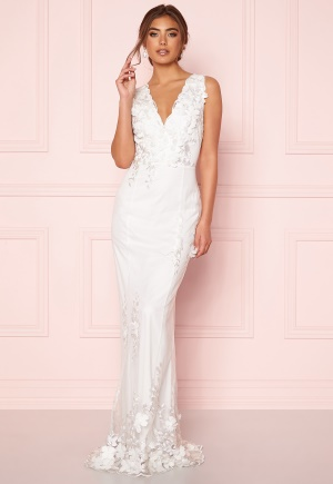 Moments New York Oleana Wedding Gown  40