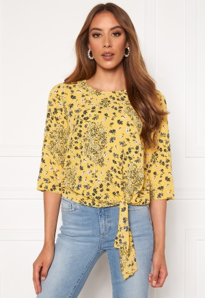 Image of ONLY Nova Lux 3/4 Knot Top Misted Yellow 34