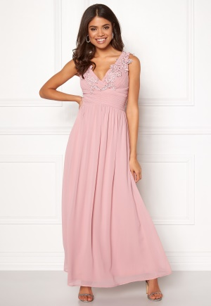 Bröllopsklänningar – Inspirerande klänningar till bröllop  d4ef2e73f8052