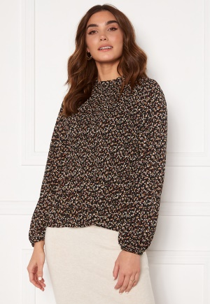 Image of Sisters Point Vaida Blouse Black/Small Flower M