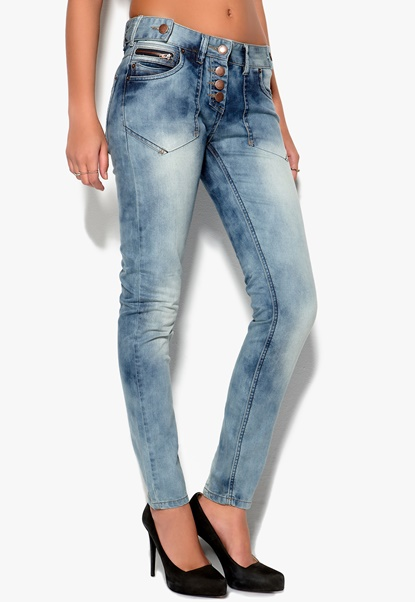 Sally & Circle Loose Button Jeans 688 LT Wash Bubbleroom.se
