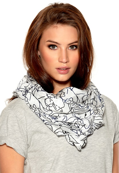 TIGER OF SWEDEN Giacobi Scarf 090 Pure White Bubbleroom.se
