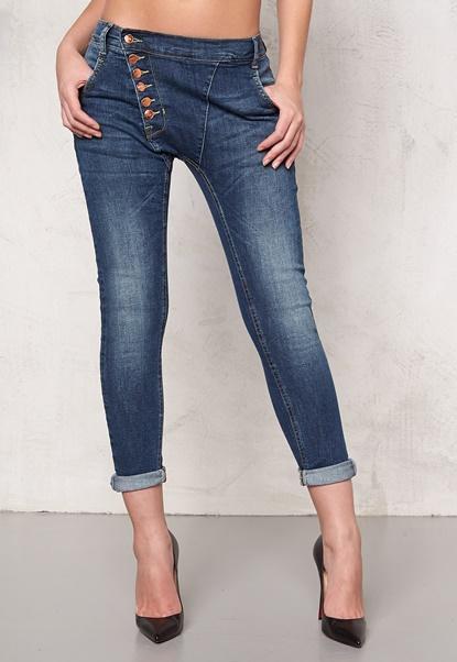 77thFLEA Deanne girlfriend jeans  Bubbleroom.fi