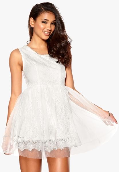 Model Behaviour Amelia Dress White Bubbleroom.se