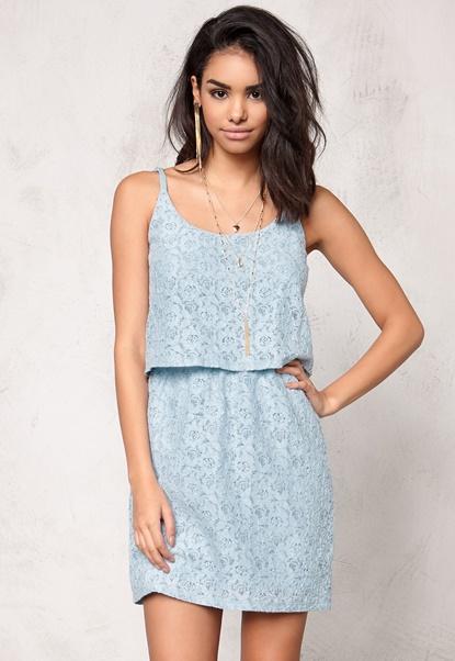 Model Behaviour Lindsay Dress Light blue Bubbleroom.eu