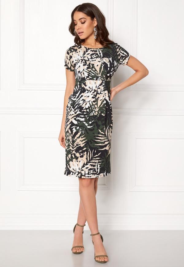 Handla från hela världen hos PricePi. klänning tilde från