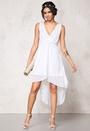 Model Behaviour Felicia Dress White Bubbleroom.eu
