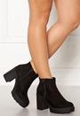 High Chunky Boots