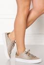 Victoria Sneaker