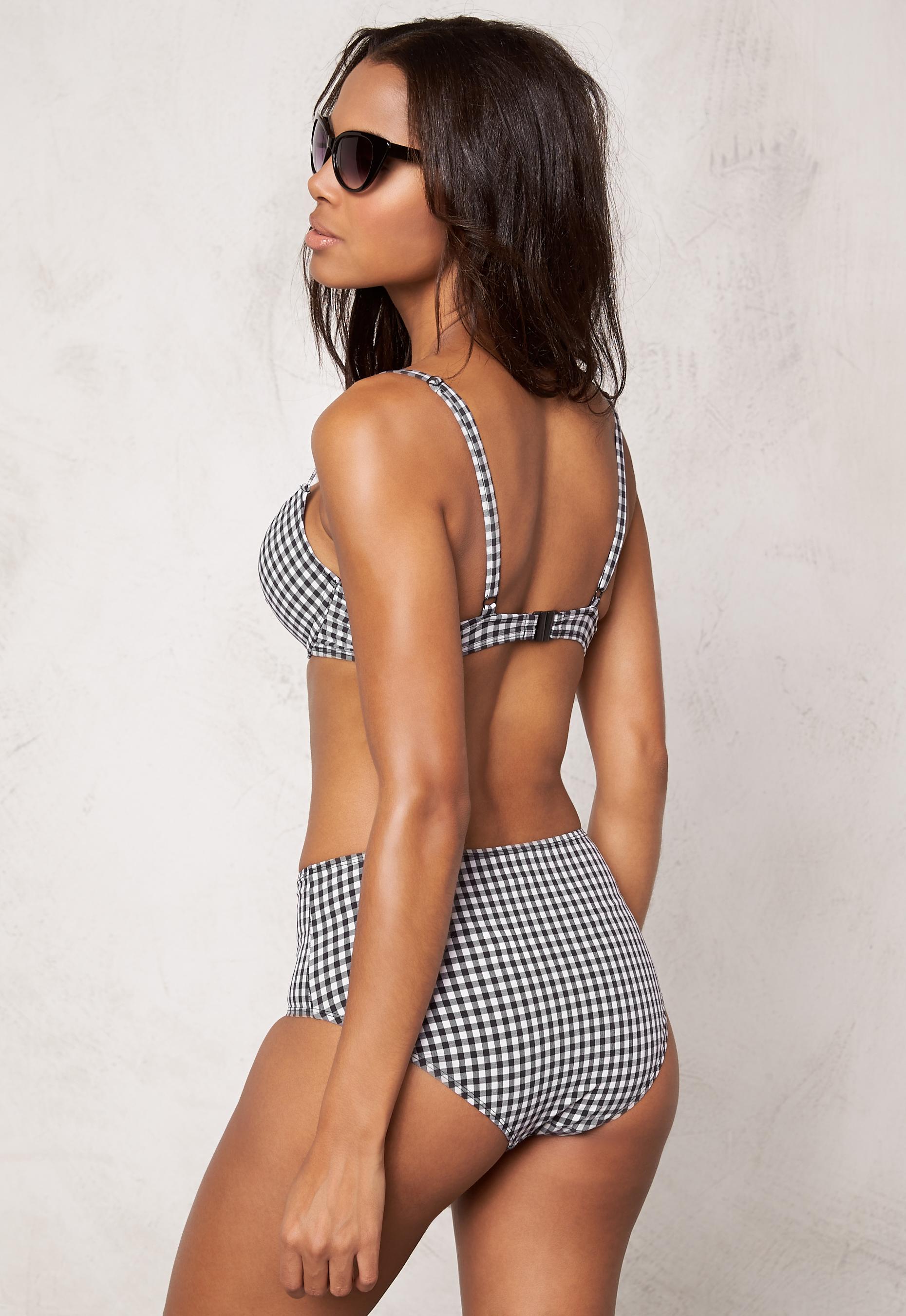 bikini som håller in magen