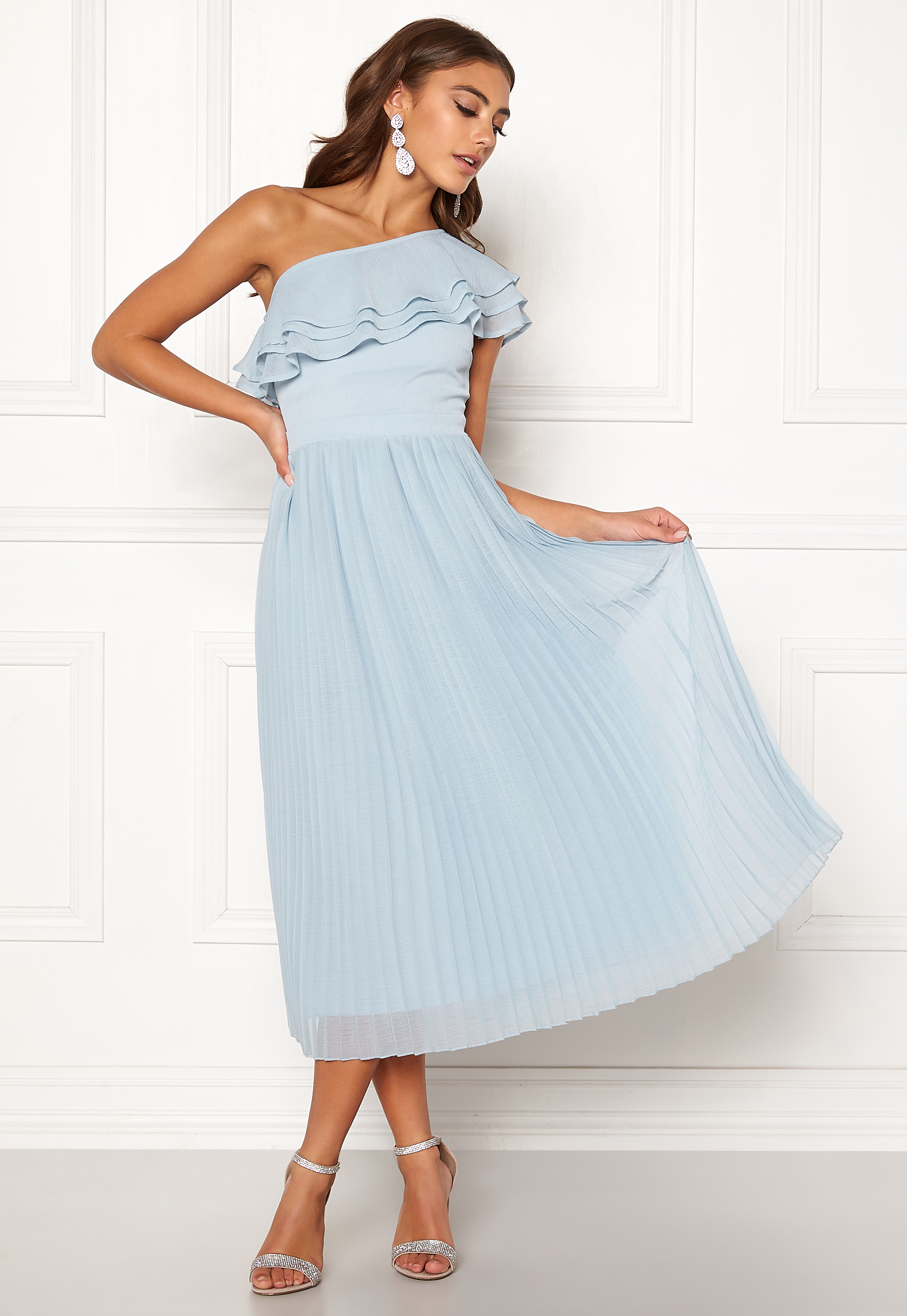 520202eac893 BUBBLEROOM Carolina Gynning Frill one shoulder dress Light blue ...