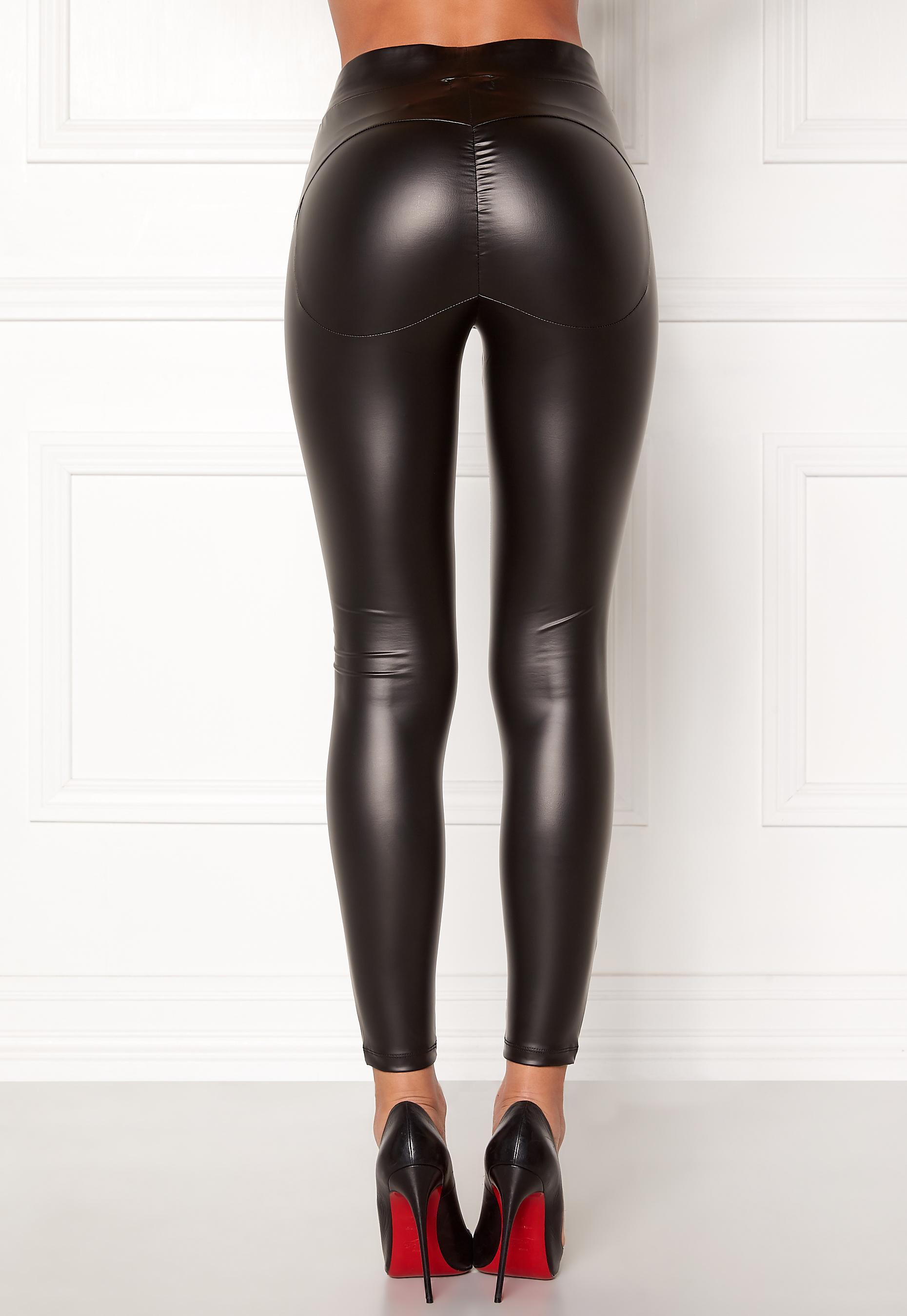 Wearing black casual latex lara larsen - 5 4