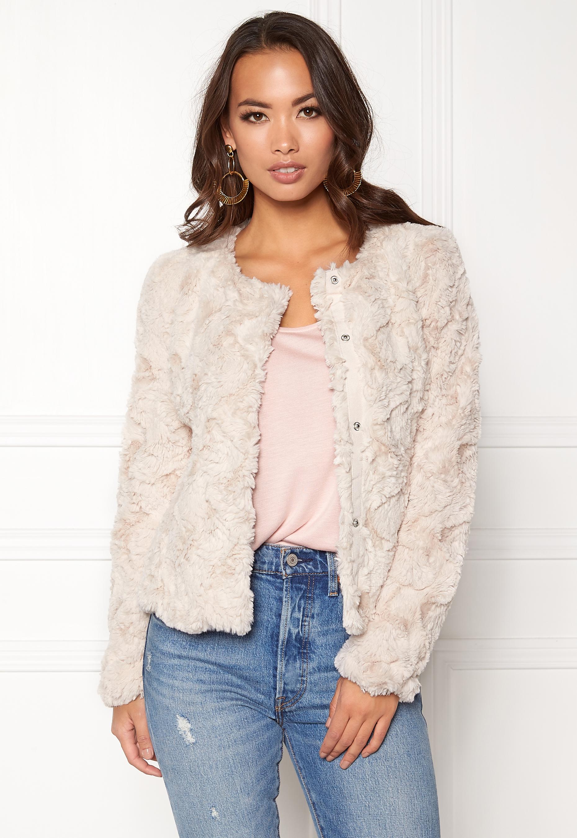 VERO MODA Curl Short Fake Fur Jacket Oatmeal Bubbleroom.se 55d37e3627300
