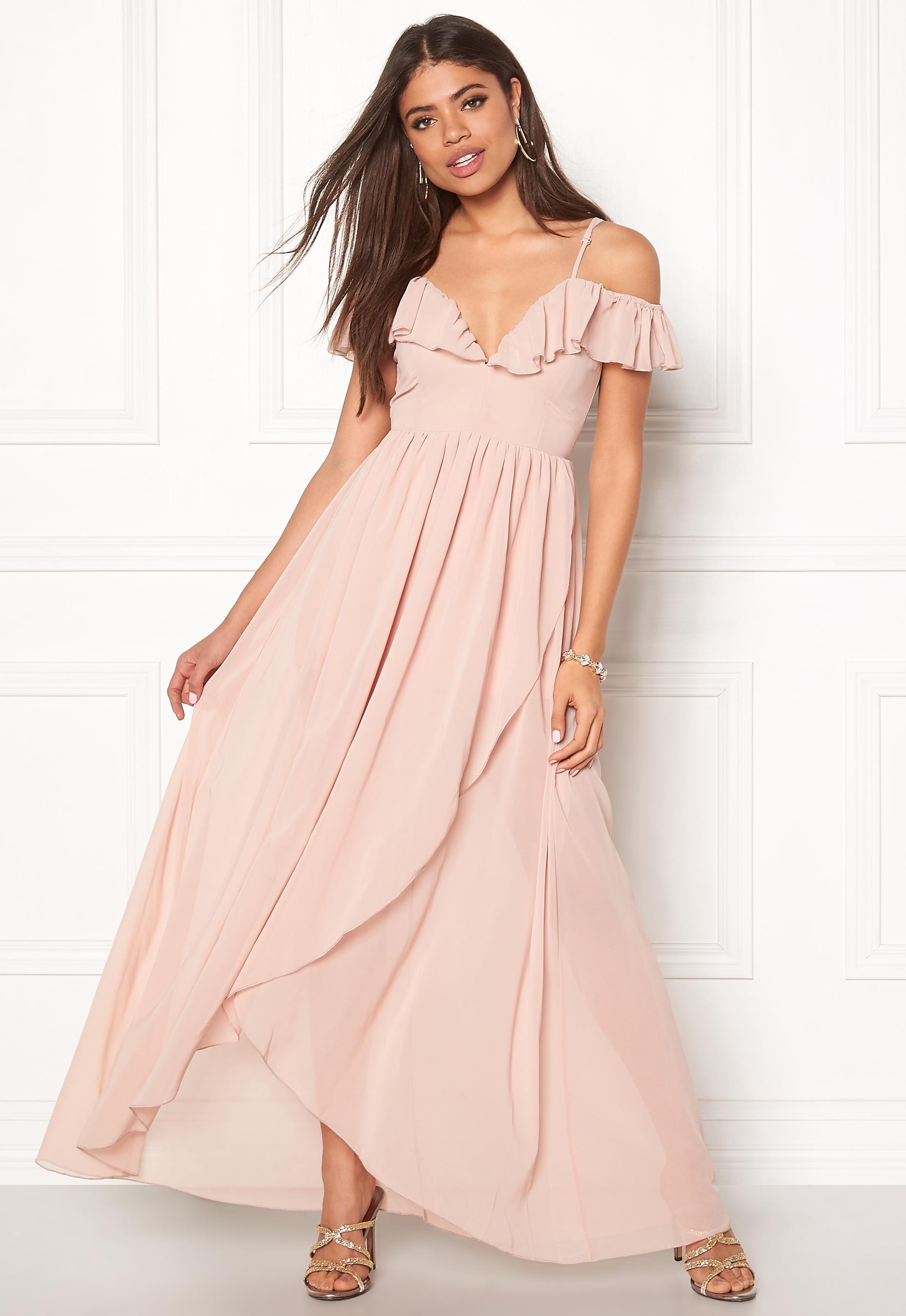 girl in mind maxi flow dress light pink bubbleroom. Black Bedroom Furniture Sets. Home Design Ideas