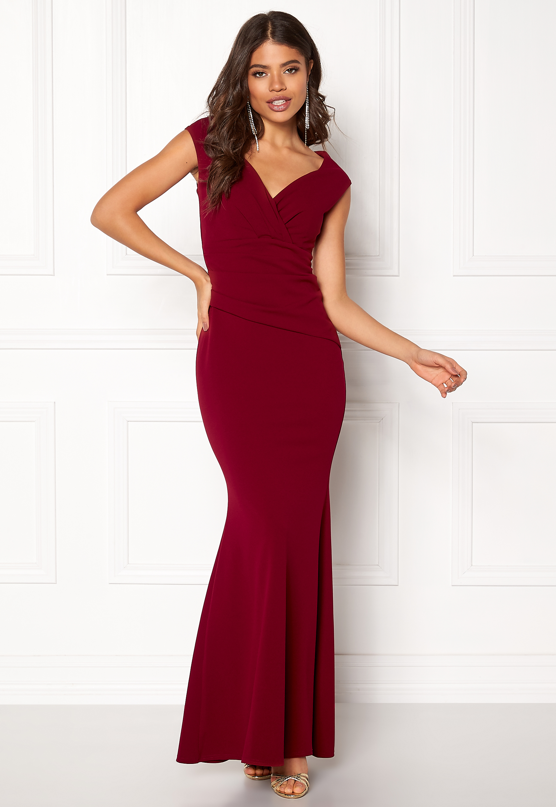 Goddiva Bardot Pleat Maxi Dress Wine Bubbleroom.se 8b6fe974cbef8