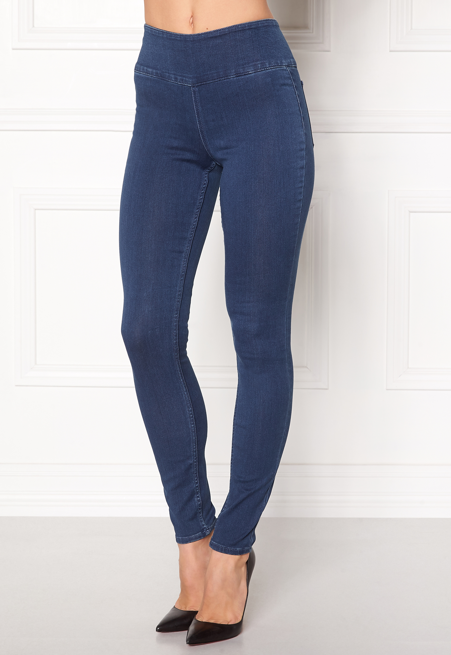 These juniors' jeggings from Mudd provide a fun and flattering look. Sponsored Links Outside companies pay to advertise via these links when specific phrases and words are searched.