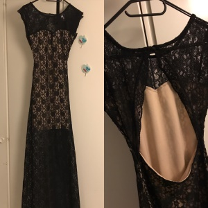 Bubbleroom / H Svart spetsklänning med öppen rygg